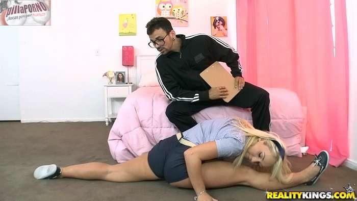 Porno con el profesor de gimnasia - foto 2