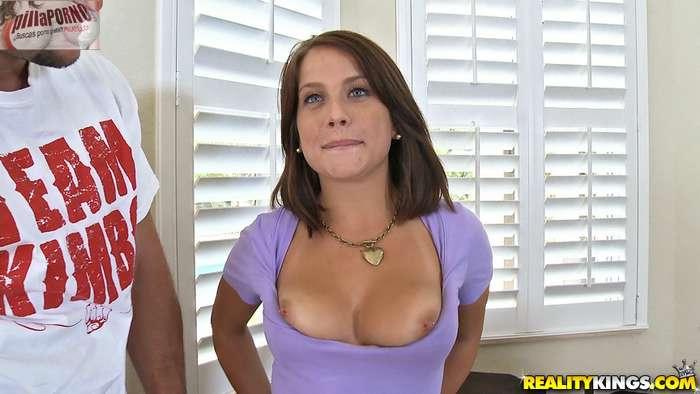 Maravillosa en su primera escena porno - foto 1