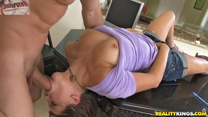 Maravillosa en su primera escena porno - foto 5