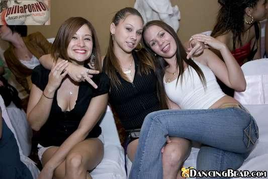 Sexo en fiestas, que bien se lo pasan - foto 1