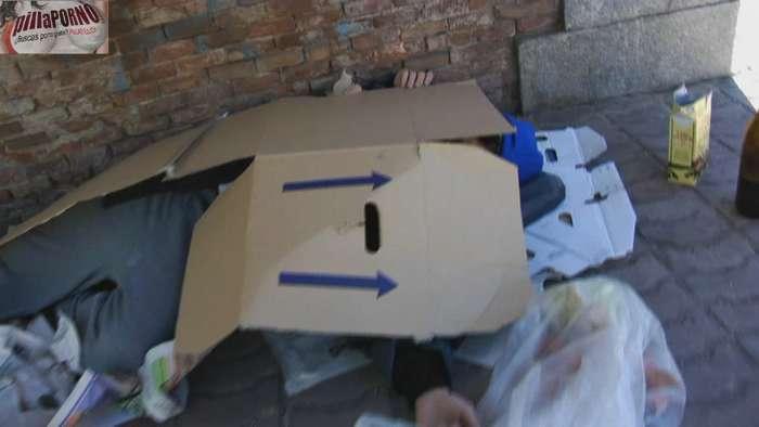 Silvia follandose a un mendigo de madrid - foto 2