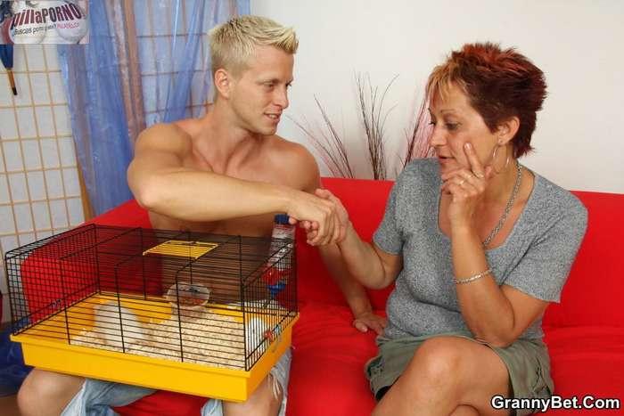 Si me cuidas la mascota te chupo la polla - foto 2