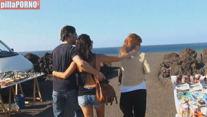 Incesto español: madre, hija y un amigo - foto 2