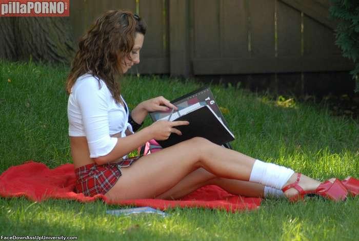 Joder con que pintas van las chicas al instituto … - foto 3