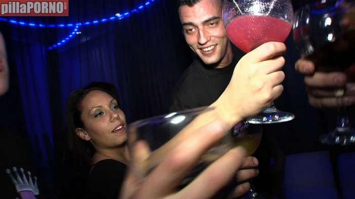 Las tías cuanto más borrachas, más cerdas (1) - foto 2
