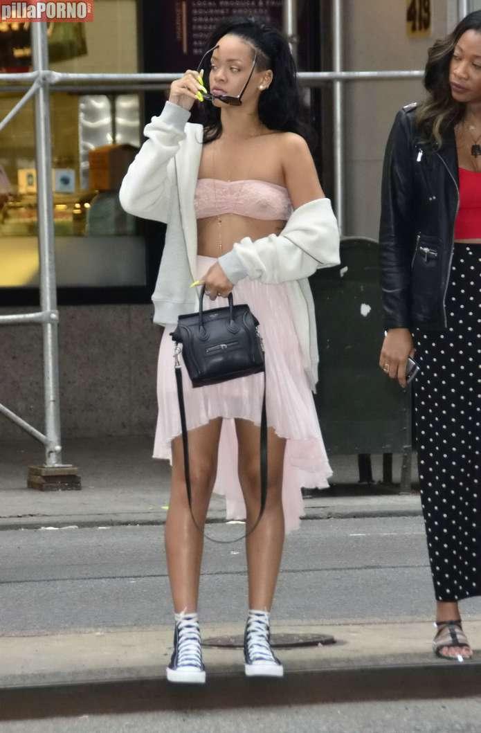 Rihanna de paseo por Nueva York - foto 2