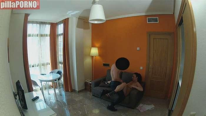 Vecinita madrileña follandose al portero - foto 4