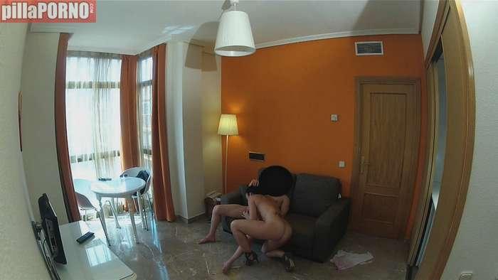 Vecinita madrileña follandose al portero - foto 5