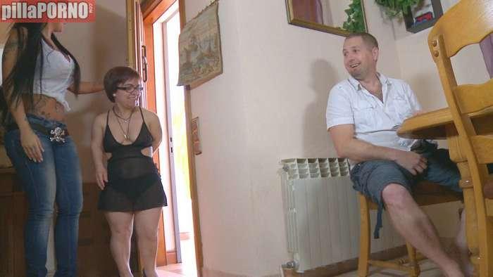 El debut porno de una enana española - foto 1