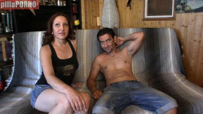 Porno duro con su prima hermana - foto 1
