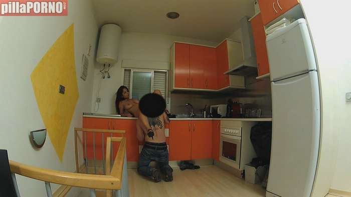 Milf española follandose al hijo de su casero - foto 5