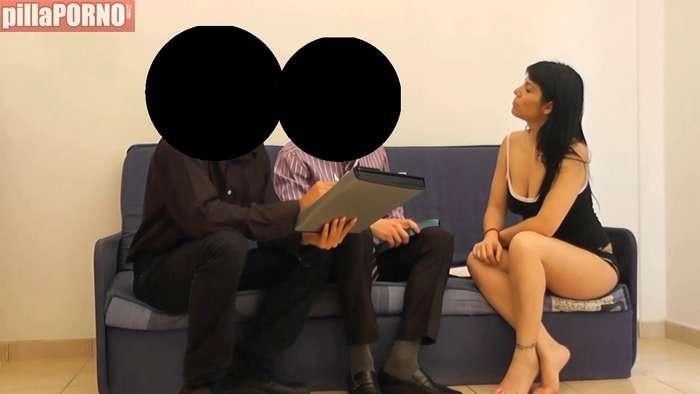 Se folla a dos testigos de Jehová y lo graba - foto 1