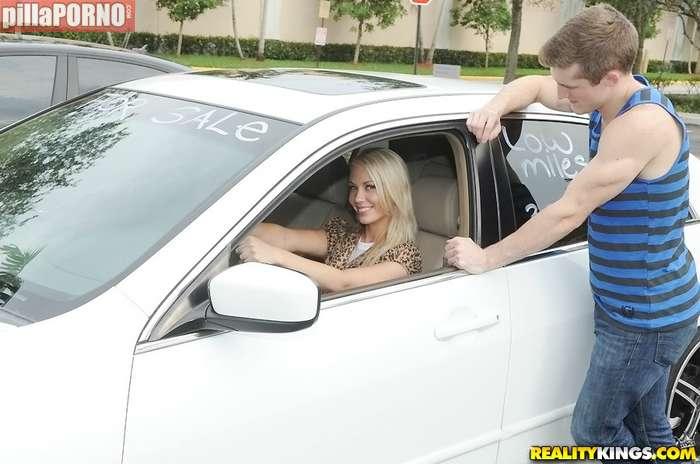Calentando al vendedor de coches - foto 1