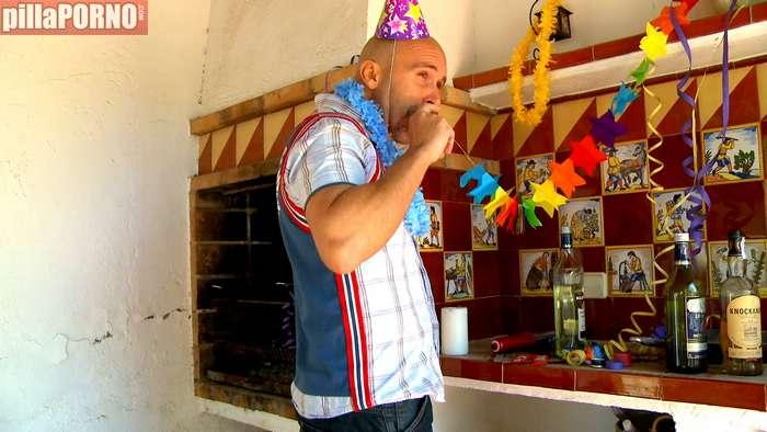 Se la folla borracha el dia de su cumpleaños - foto 1
