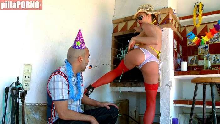 Se la folla borracha el dia de su cumpleaños - foto 3