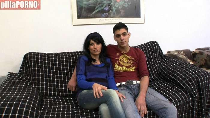 Madrastra e hijo follando juntos - foto 1
