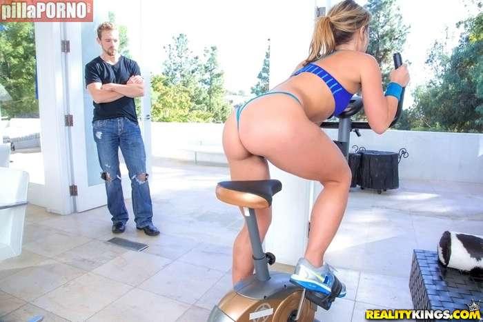 Porno anal con una amiga de mi gimnasio - foto 1