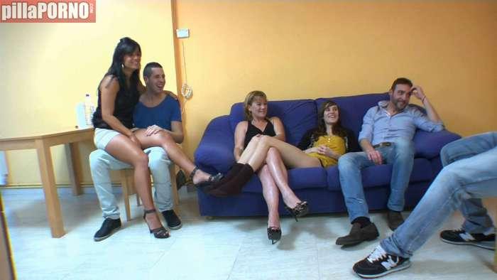 Ainara en una orgia con la madre y la hija del porno - foto 1