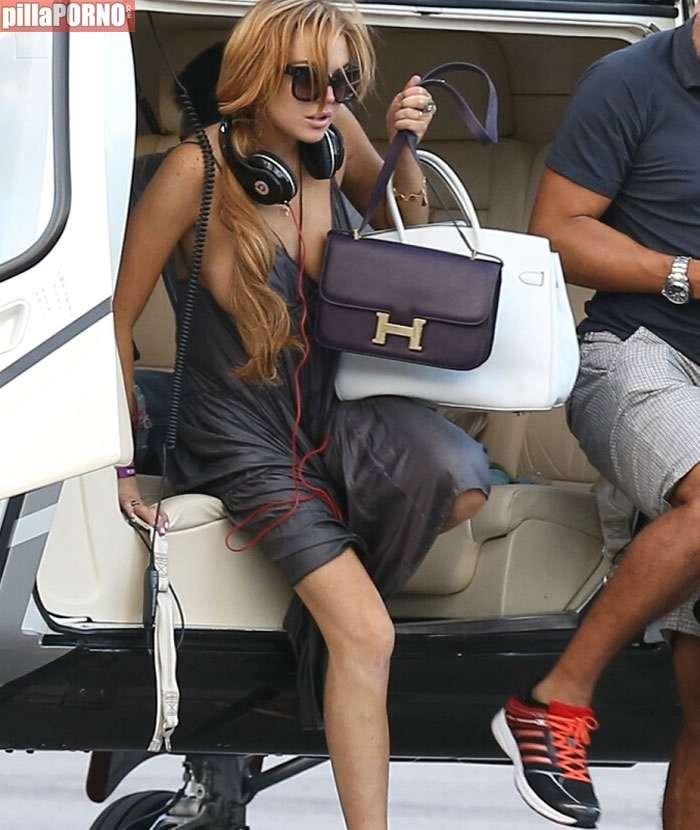 La teta al aire de Lindsay Lohan - foto 2