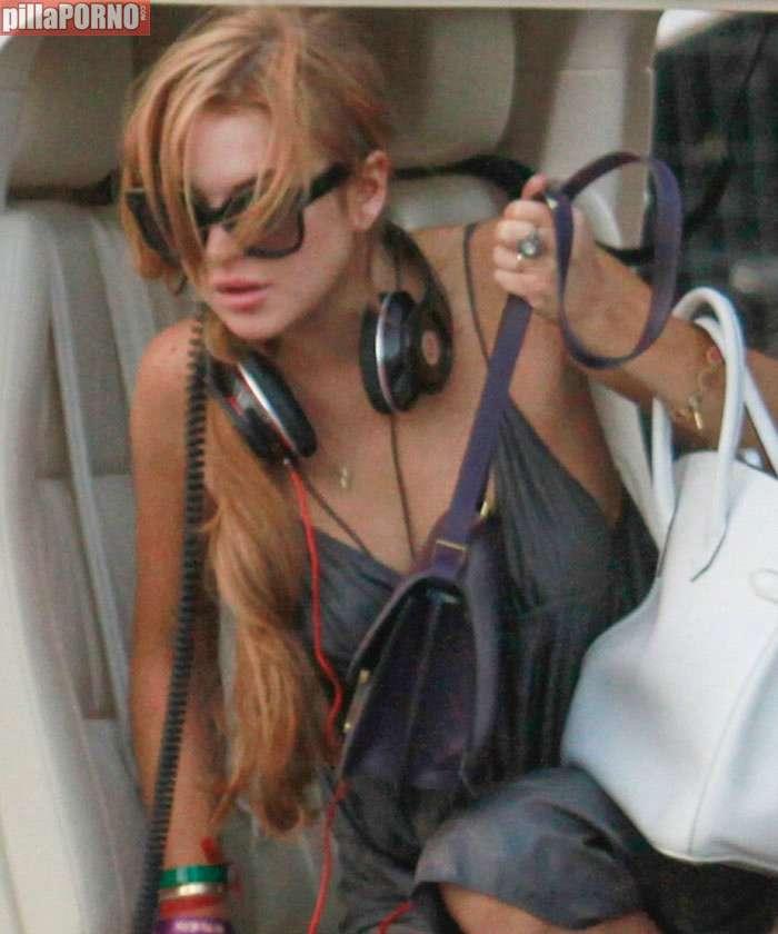La teta al aire de Lindsay Lohan - foto 7