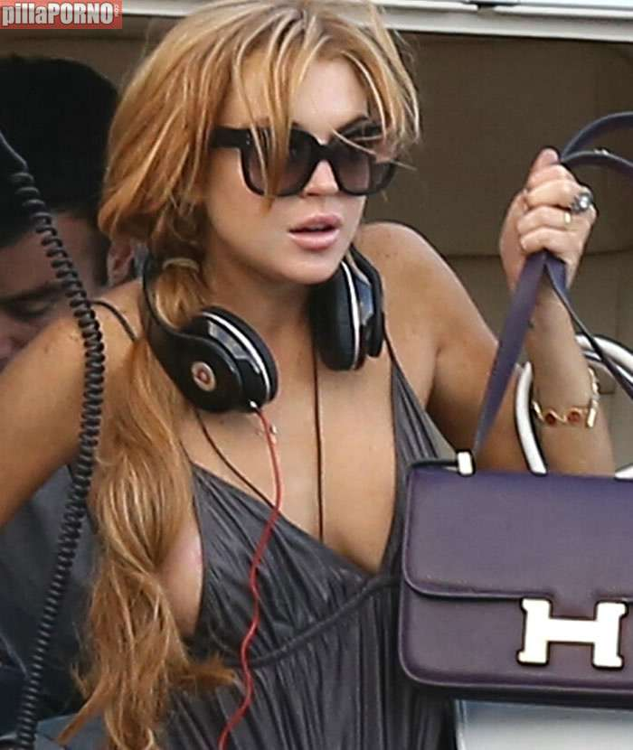 La teta al aire de Lindsay Lohan - foto 8