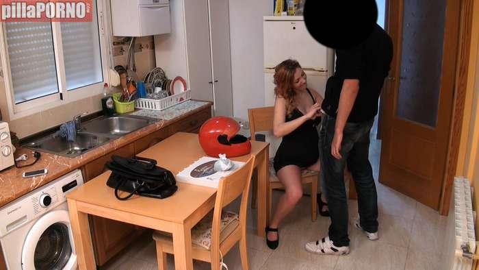 Embarazada follandose al chico de la pizzeria - foto 4