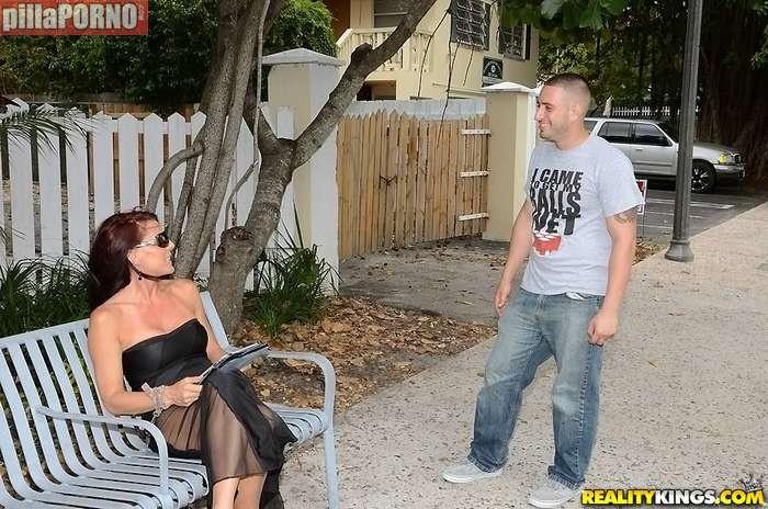 Madura buscando sexo con jovenes - foto 2