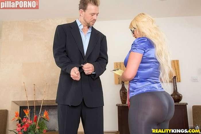 Es un escandalo, como la chupa mi hija !! - foto 2