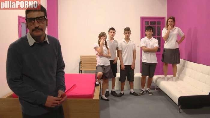 Empieza el colegio: orgia de sexo entre alumnos - foto 1