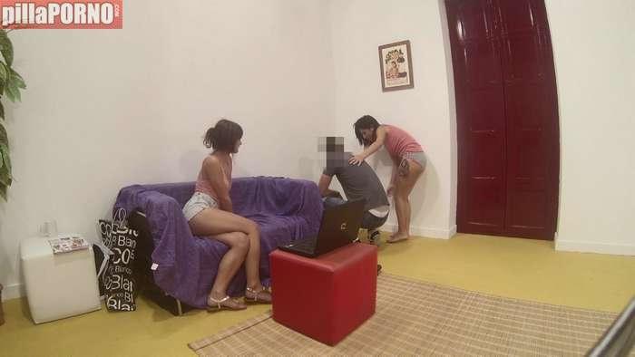 Pareja de lesbianas se follan a un vecino - foto 4