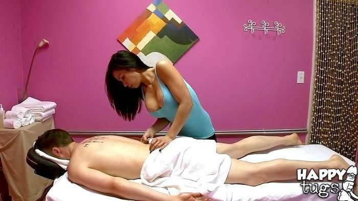 La madre de un amigo es masajista - foto 4
