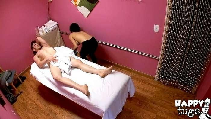 La madre de un amigo es masajista - foto 14
