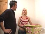 Encuentro con una vecina en la lavanderia