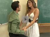 Atraida por su joven profesor