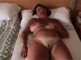 Graba a su mujer dormida en un hotel de canarias