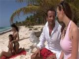 Mi marido se folla a dos caribeñas