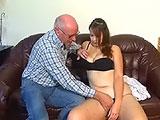 El abuelete y su timida nieta