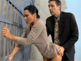 Sexo en prision con la mujer de su cliente