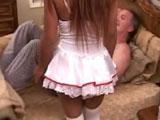 Mi hijastra se pone lenceria para papa