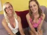 Porno familiar: madre e hija follan juntas