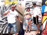 Un trio en la playa de barcelona