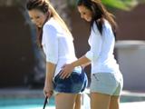 Mi prima me enseña a jugar al golf