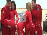 Orgia con las azafatas antes de empezar la carrera