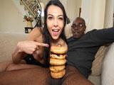 Una polla del tamaño de 5 donuts