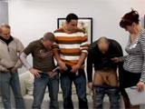 Madura monta un casting porno para follar gratis