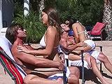 Fin de semana con unas amigas en la piscina