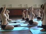 Desnudas en la clase de pilates