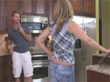 Mi tia me seduce en la cocina