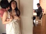 Su marido trabajando y ella se lia con otro