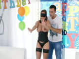 Triple penetración el dia de su cumpleaños